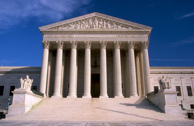 supreme-court-546279_960_720 (1).jpg
